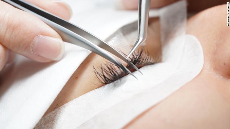 lash extension technique